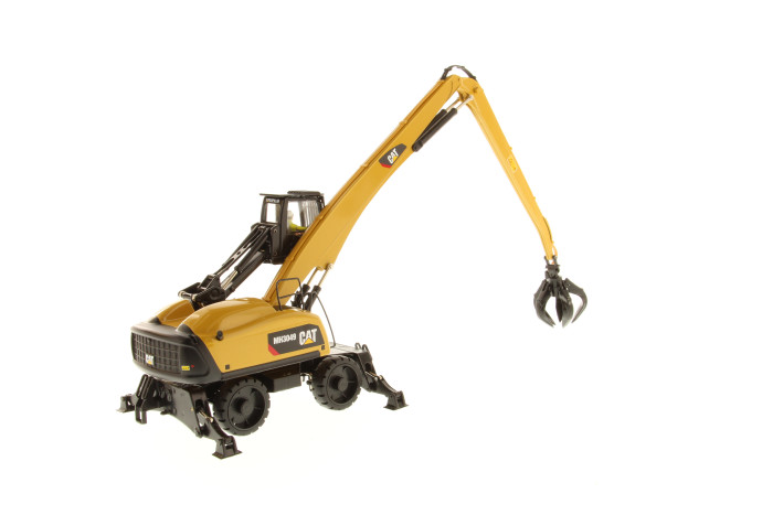 Die Cast Masters 1/50 CAT 3049 Material Handler- High Line